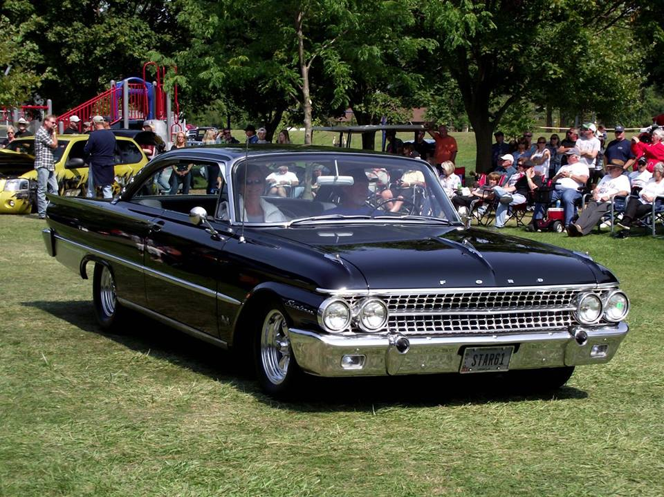 Specialty 1961 Ford Starliner- Ron Fritz 7