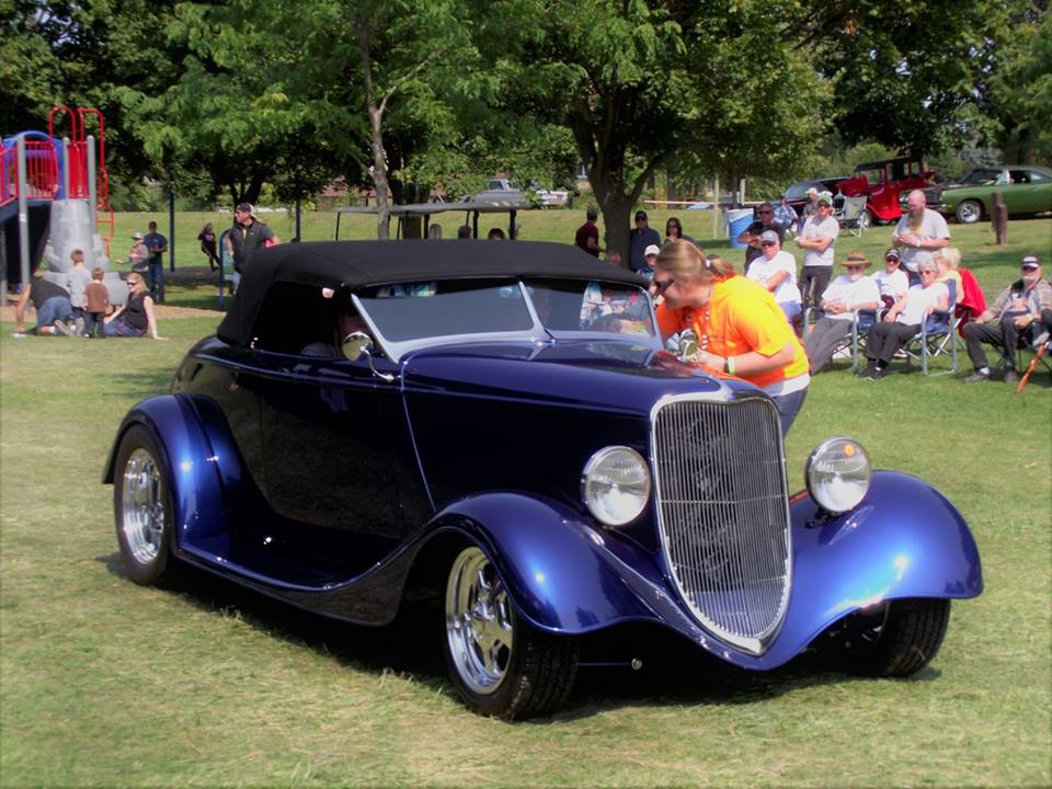 Top 25 1933 Ford Roadster- Shirley Hansen 3