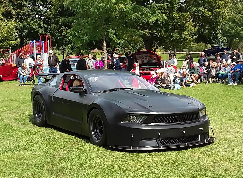 Super Sunday- 2013 Ford Mustang, Dennis & Tina Strickland 1