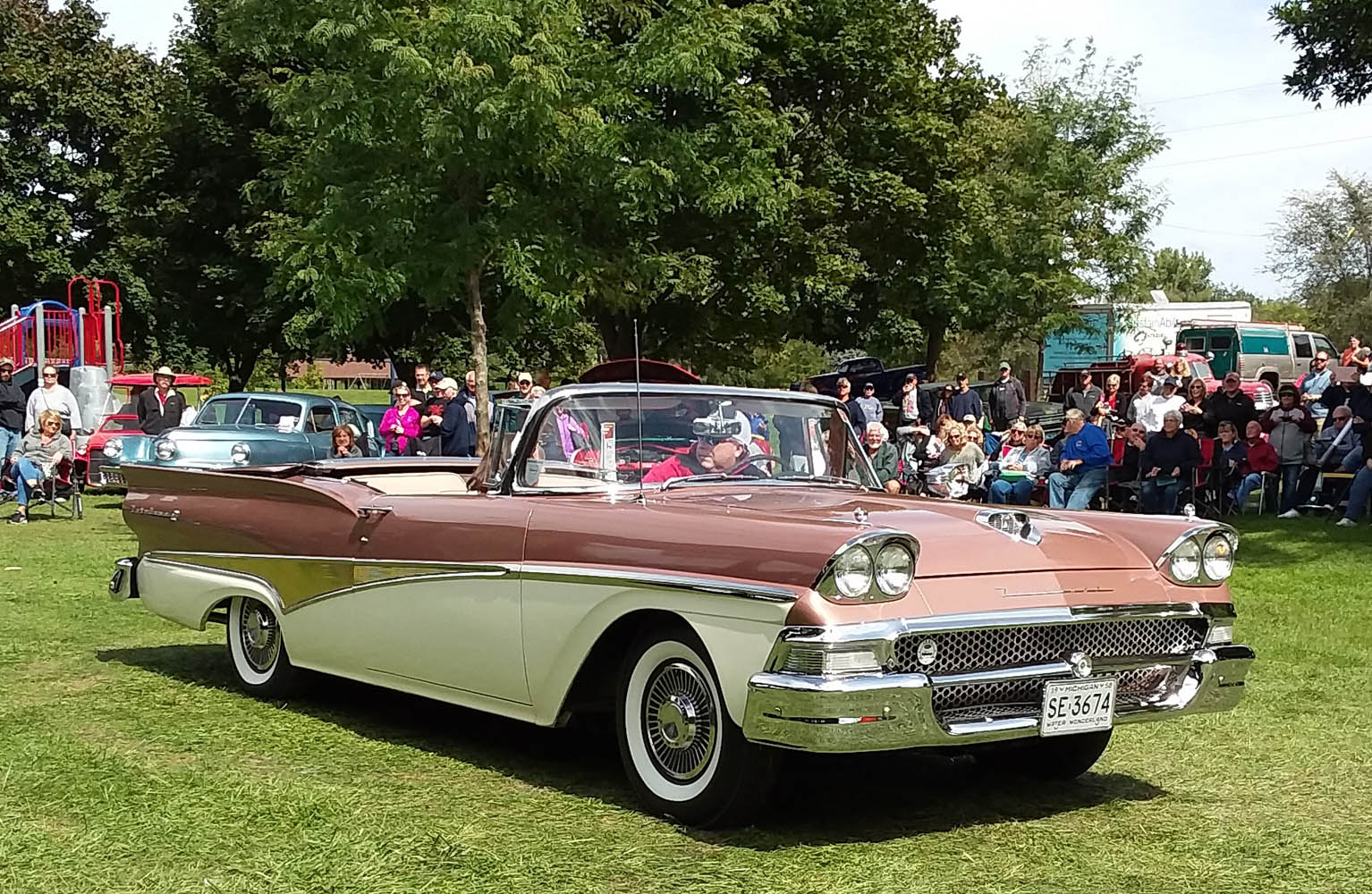 Top 25- 1958 Ford Skyliner, Brad Notter 1